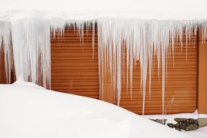 icicles_on_roof